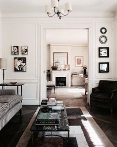 I love the clean look of this room. Simply elegant