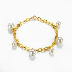 Unique White Shell Pearls Chain Bracelet Charm Jewelry Gift for Women Girls Charm Jewelry, Jewelry Gifts, Handmade Jewelry, Fashion Beads, Fashion Jewelry, Ankle Bracelets, Beaded Bracelets, Wrap Bracelets, Beaded Leather Wraps