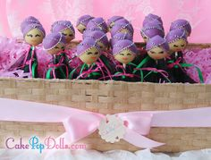 Mrs Hmong Cake Pop. Minimum order of 12 cake pops / 1 dozen. Available in cake flavors Vanilla, Chocolate or Red Velvet. Please specify cake flavor in the comments during checkout.