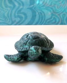 I wanted to create the perfect little baby sea turtle---and here it is! A whimsical little addition to add to your ocean beach decor! Perfect for the turtle lovers out there! Soaps measures 3 x 2/5 x 1 and weighs a little over an ounce. Listing is for one baby turtle. Comes gift boxed! Enjoy!  ♛♛♛ All soaps are made at the time of the order. Because all soaps are handcrafted the color will vary slightly.  ♛♛♛ Do you want more than one? Please let me know in a convo and I can create a custom…