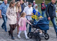 On September 10, a traditional sports event for children took place at Haga Park. That event is the annual Prince Daniel's Race and Sports Day held by Prince Daniel for children. Crown Princess Victoria and her children Princess Estelle and Prince Oscar came to Haga Park in order to watch the race.