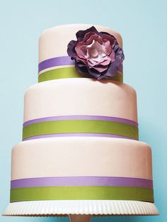 Simple and Elegant Wedding Cake :)