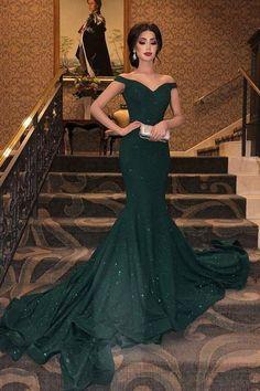 Dark Green Prom Dresses, Mermaid Style Prom Dresses, Green Party Dress, Emerald Green Dresses, Pretty Prom Dresses, Black And Green Dress, Stunning Prom Dresses, Grad Dresses, Formal Party Dresses