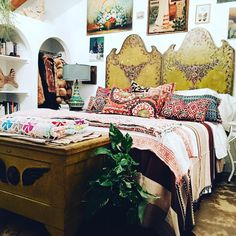 """Trying out a different look on my bed with textiles purchased in Oaxaca, and a mix of vintage.#jungalowstyle #finditstyleit"""