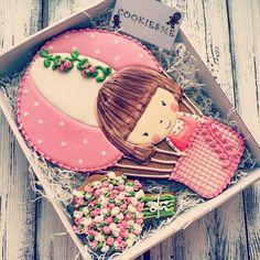 #Cookie #cookiesme #cookies#decoratedcookies #customcookies #kuki#gallets#angel#stroller#имбирныепряники #имбирныепряникиназаказ #имбирныепряникиназаказмосква#печенье #пряники #расписныепряники #подарокнакрещение#крещение#сладкийподарок #коляска#бутылочка#крестик#пчелка#пчелкамайя#малыш#royalicing#royalicing#kuki#曲奇餅#쿠키