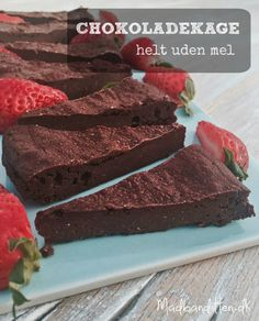 Chocolate cake without flour [in Danish] Köstliche Desserts, Low Carb Desserts, Low Carb Recipes, Delicious Desserts, Crazy Cakes, Paleo Dessert, Cake Recipes, Dessert Recipes, Flourless Chocolate Cakes