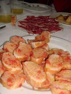 Pa amb tomàquet i pernil - Catalan Food