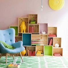 57 Neat Wall Storage Kids Room Design - Craft and Home Ideas Crate Bookshelf, Box Shelves, Display Shelves, Small Space Interior Design, Kids Room Design, Childrens Shelves, Kids Storage Bins, Storage Ideas, Shelving Ideas