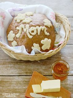 Mother's Day Honey Wheat Message Bread made with Fleischmann's® Yeast by food blog Bubbly Nature Creations #OMGyum #FleischmannsYeast
