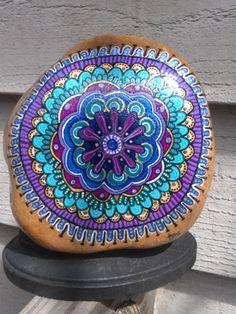 Rock Painting-Purple star mandala with blues and greens Mandala Bleu, Mandala Rocks, Mandala Art, Pebble Painting, Pebble Art, Stone Painting, Rock Painting, Belly Painting, Hand Painted Rocks