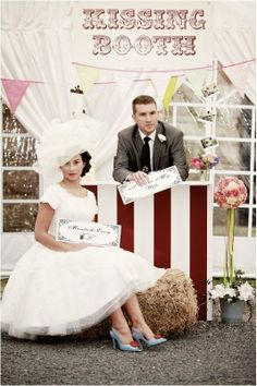 kissing booth pictures | KISSING BOOTH PARA BESAR EN TU BODA!