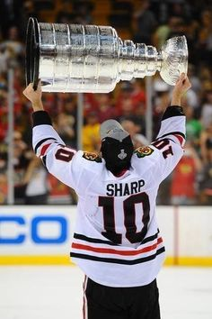 Patrick Sharp lived through the ďark days of the franchise to see himself lift the Stanley Cup 3 times.