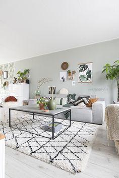 mooi kleur muur, marmeren tafel.