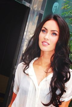 Megan Fox and Monica Belluchi's Dark Hair Color Idea Curled Hairstyles, Pretty Hairstyles, Megan Fox Hairstyles, Wedding Hairstyles, Men's Hairstyle, Formal Hairstyles, Latest Hairstyles, Hairstyle Ideas, Corte Y Color