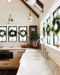 BECKI OWENS- Best of 2017 Holiday Home Tours
