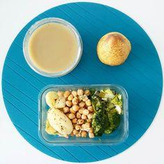 Bom dia  Aqui vai o meu almoço de hoje: batata grão alho francês e brócolos. Tenham um bom dia
