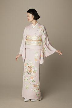 Yukata Kimono, Kimono Japan, Japanese Kimono, Traditional Fashion, Traditional Dresses, Traditional Kimono, Traditional Japanese, Japanese Costume, Wedding Kimono