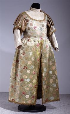 "Competition Dress ""Semiramis"": ca. 1672, Italian fabric, Saxon tailoring, silk satin Liseré et broché, embroidery, metallic lace, lined in linen."