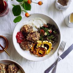 In honour of Canadian Thanksgiving this weekend, these Wild Rice Stuffing Balls are up on the blog along with easy sides for two (Roasted Garlic Mashed Cauliflower, Miso Gravy, Apple Cranberry Sauce, Roasted Rosemary Squash + Pear, and a Brussels Sprout, Kale, and Grape Salad) and some ramblings on how I stay thankful in a world of so much want. 🎃🍂 #amazing #sharefood #FF