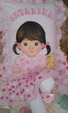 Almofadas de perninha com pintura em tecido para bebês