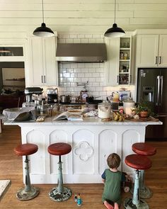 Just stumbled across this cool page for Joanna Gaines Joanna Gaines House, Magnolia Joanna Gaines, Chip And Joanna Gaines, Woke Up This Morning, Wake Me Up, Fixer Upper, Table Settings, Cool Stuff, Furniture