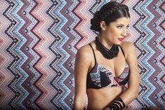 sutiã com recortes/ bra with cutouts