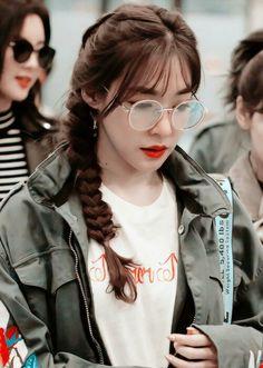 Tiffany *-* Sooyoung, Yoona, Snsd Tiffany, Tiffany Hwang, Girls' Generation Tiffany, Girls Generation, 2ne1, Kpop Girl Groups, Kpop Girls
