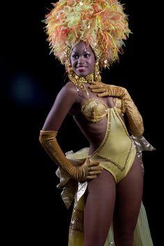Tropicana Cabaret in Havana the world famous night club. Havana seductive nightlife Cabaret Tropicana dance and music. Carnival Dancers, Carnival Girl, Rio Carnival, Carribean Carnival Costumes, Caribbean Carnival, Carnival Fashion, Carnival Outfits, Samba Rio, Viva Cuba