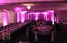 Pink wedding lighting contrasting with black at Brisbane Golf Club | G&M DJs | Magnifique Weddings #gmdjs #magnifiqueweddings #weddinglighting #brisbanegolfclub @gmdjs