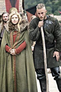 Lagertha and Ragnar - Katheryn Winnick and Travis Fimmel in Vikings, set in the 9th century (TV series).