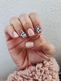 Cute Nails, Pretty Nails, Cute Fall Nails, Pink Nails, My Nails, Pink Leopard Nails, Shellac Nail Colors, Stars Nails, Snowflake Nails