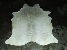 x Natural White Cowhide White Cowhide Rug, Cow Hide Rug, Latex Free, Leather Fashion, Real Leather, This Or That Questions, Rugs, Natural, Vintage