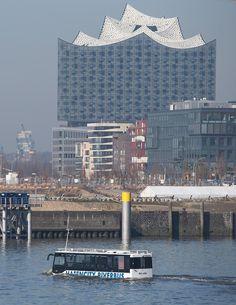 Hamburg-Hafencity, Amphibienbus & Elbphilharmonie