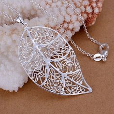 Unique Womens Silver Plated with Beautiful Decent Leaf Shape Pendant Y N03…
