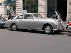 Bentley Continental à Paris