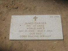 James Garner - Find A Grave Memorial Cemetery Statues, Cemetery Headstones, Old Cemeteries, Cemetery Art, Graveyards, Famous Veterans, Famous Tombstones, Drive In Movie Theater, Grave Markers