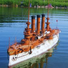 The May 2011 issue showcases Tim's USS Iowa. Here are a few more of his finished ships. Scale Model Ships, Scale Models, Uss Iowa, Us Battleships, Marine Engineering, Pond Life, Vintage Boats, Military Diorama, Tug Boats