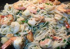 Singapore Seafood White Beehoon Recipe - Yummy this dish is very delicous. Let's make Singapore Seafood White Beehoon in your home! Home Recipes, Fish Recipes, Asian Recipes, Dinner Recipes, Ethnic Recipes, Popular Recipes, Great Recipes, Best Healthy Soup Recipe, Kitchens