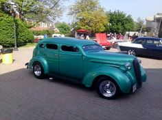 Antique Gangster Car   GANGSTER!!!! - OLD, MEAN, GREEN, CLASSIC