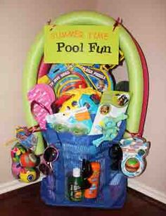 Pool fun (googles, dive sticks and other toys, float, beach ball, sunglasses, snacks) Fundraiser Baskets, Fundraiser Raffle Ideas, Fundraising Ideas, Fundraiser Party, School Auction Baskets, Silent Auction Baskets, Themed Gift Baskets, Theme Baskets, Gift Basket Themes