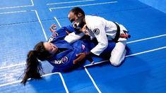 Self Defense Moves, Self Defense Martial Arts, Jiu Jitsu Training, Mma Training, Martial Arts Workout, Martial Arts Training, Judo, Karate, Jiu Jitsu Moves