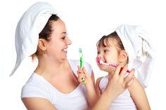 ***¿Cómo enseñar a los niños a cepillar sus dientes?*** Desde pequeños los niños deben adquirir el hábito de cepillarse los dientes, para asegurarse una boca limpia y saludable....SIGUE LEYENDO EN.... http://comohacerpara.com/ensenar-a-los-ninos-a-cepillar-sus-dientes_2146a.html