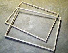 Easy Wood Frames For Large Art Or Posters Poster frame DIY stuff: might be better for my place, but good to know.Poster frame DIY stuff: might be better for my place, but good to know. Easy Woodworking Projects, Custom Woodworking, Diy Wood Projects, Diy Wand, Wood Picture Frames, Picture On Wood, Wood Frames, Build A Picture Frame, Picture Ideas