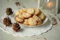 Fyll kakeboksene med disse herlige julekakene.