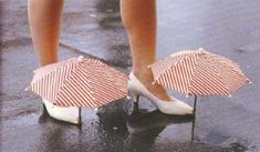 19 Awesomely Impractical Japanese Inventions - For keeping your shoes dry in the rain without compromising style Useless Inventions, Worst Inventions, Japanese Inventions, Awesome Inventions, Inventions Folles, Crazy Shoes, Me Too Shoes, Weird Shoes, Ideas Para Inventos