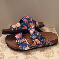 NWOT Floral Birkenstocks Brand new size 10 Birkenstocks! Super cute! Lower on Ⓜ️. Same username. Birkenstock Shoes