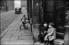 Marc Riboud GB. ENGLAND. Leeds. 1954.