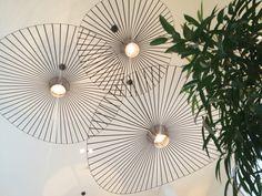 Gave plafond hang lampen. Foto is genomen bij Delight Yoga Den Haag. Gebouwd door Trustanbouw in opdracht van Delight Yoga