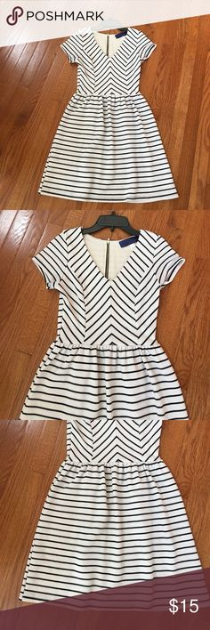 Cream and black striped dress! From Francesca's- S Cream and black striped dress! From Francesca's- Small. Perfect condition🖤 Francesca's Collections Dresses