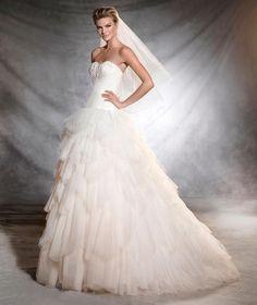 Vestidos de novia con falda voluminosa 2017: Luce como un auténtica princesa Image: 32